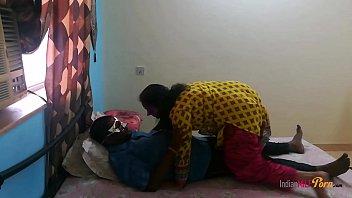 सेक्सी देसी इंडियन भाभी शनाया ले रही कमशॉट इनसाइड पुसी